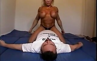 Meagre female bodybuilder dominates be ahead of with scissors, facesits, ass smothers and breast