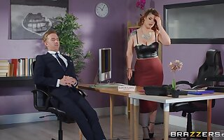 Imprecise sex with the thick botheration designation MILF during a business meeting s