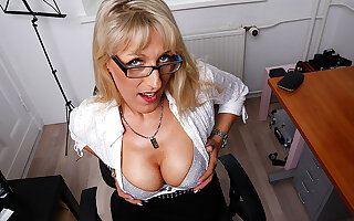 Steamy Hot German Housewife Goes Cleared - MatureNL