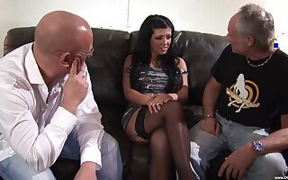 Incomprehensible babe Amanda Blak enjoys screwing with two guys at sooner than