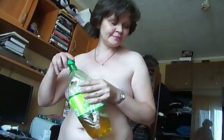 This of age Russian woman turns me on big time and she gives good freak
