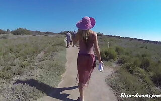 Flashing by going to the beach