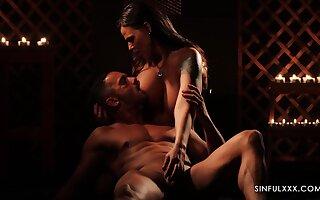 Gorgeous babe Simony Diamond is making love apropos her admirer
